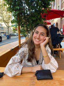 Hunter College freshman Francesca Jereis made a friend through the Navigate app's Study Buddy feature.